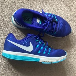 Men's blue Nike running shoes only used indoors